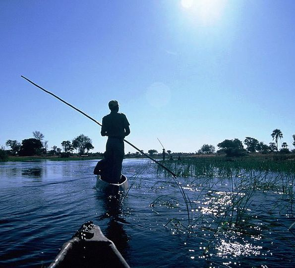 Mokoro_on_the_Okavango_Delta