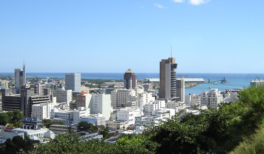Port Louis Skyline (c) Thierry CC BY SA 3.0